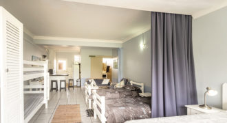 A fully self catering unit set in the heart of Cape St Francis